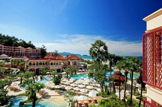 Centara Grand Beach Resort Phuket 5* (Пхукет) 1