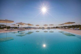 Paradise Resort 5* (Сан Теодоро) 1