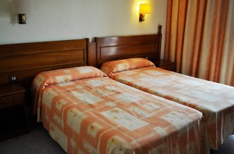 Serhs Sorra Daurada Hotel 3* (Мальграт де Мар) 4
