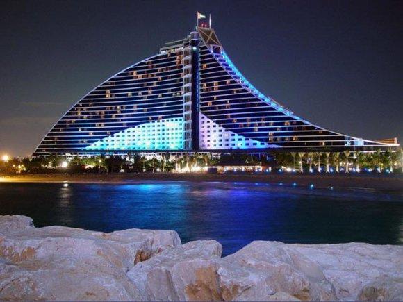 Дубаи предлагает танцевальное шоу