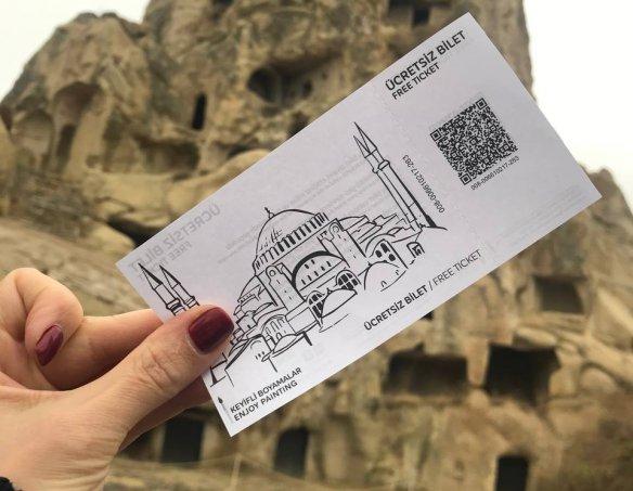 Тур в Каппадокию на майские Uchisar Kaya 2