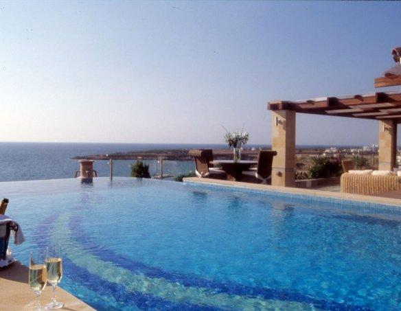 Тур в отель Coral Beach Paphos 5*  20