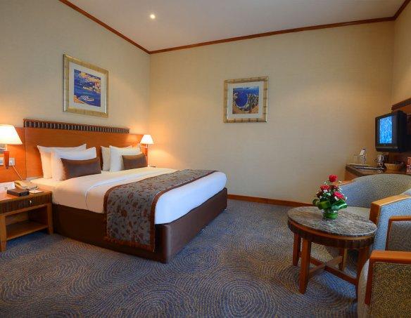 Тур в отель Golden Tulip Al Barsha 4* 3