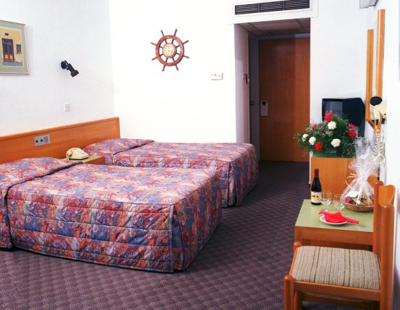 Тур в отель Kapetanios Odyssia 3*  6