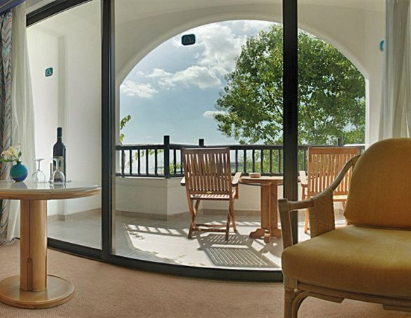 Тур в отель Coral Beach Paphos 5*  11