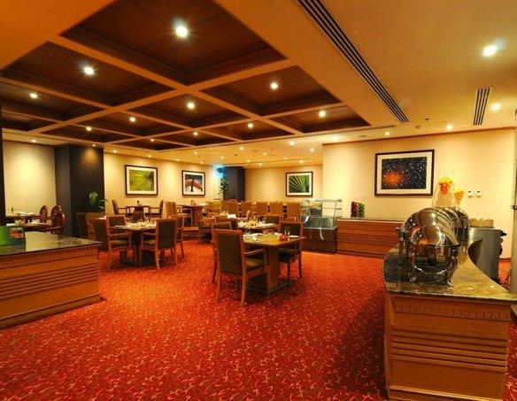 Тур в отель Golden Tulip Al Barsha 4* 37